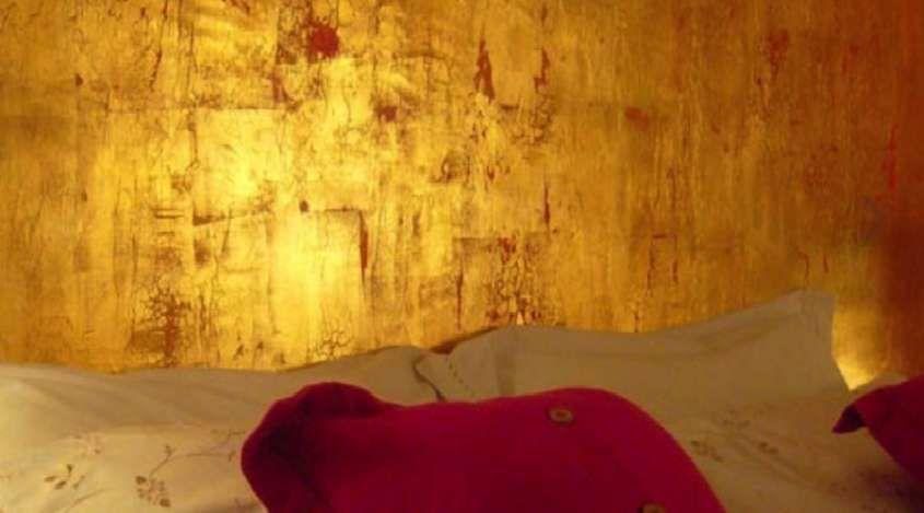 Parete Doro : Decorazione pareti con foglia doro in 2019 muro gold gold design