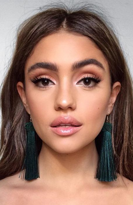 Photo of 18 Most Gorgeous Prom Makeup Looks