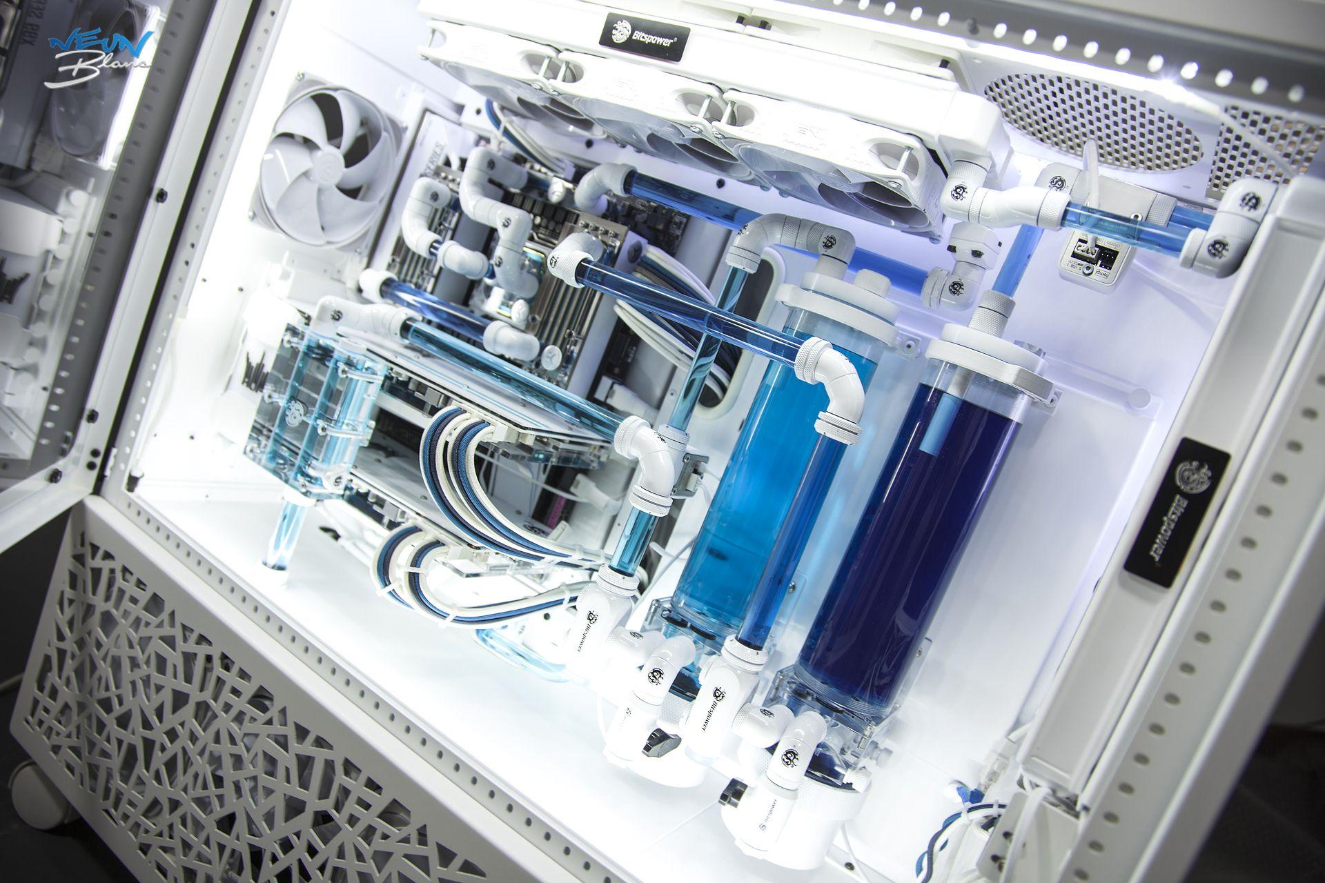Case Mod Friday Neun Blanc Gaming computer setup