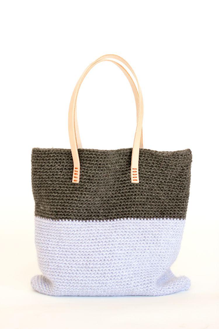 Crochet + Leather Basic Tote - Free Pattern // www.deliacreates.com ...
