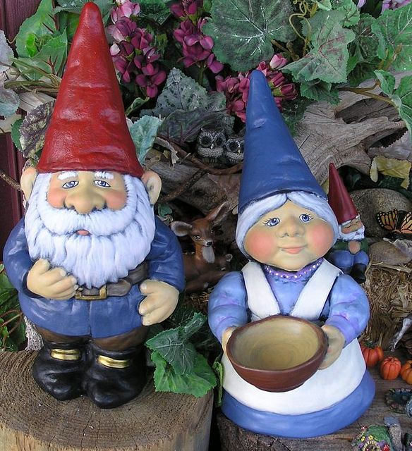 Gnome Garden: Mr/Mrs Gare Gnomes -