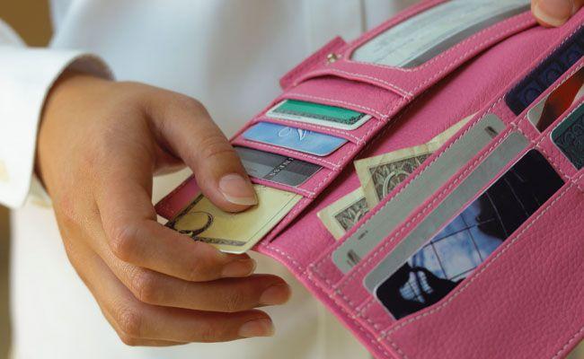 Resultado de imagem para como organizar sua bolsa ou carteira com feng shui