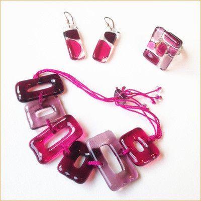 Glass jewelry • 3-piece pink set