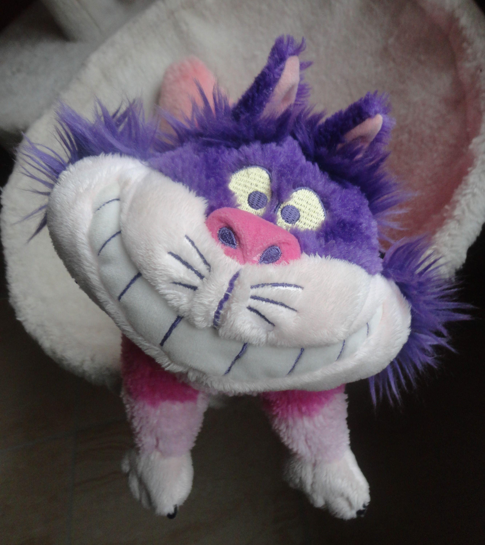 Peluche Chat Alice Au Pays Des Merveilles Peluche Cheshire Chat D Alice Aux Pays Des Merveilles Alice Aux Pays Des Merveilles Pays Des Merveilles Chat De Cheshire