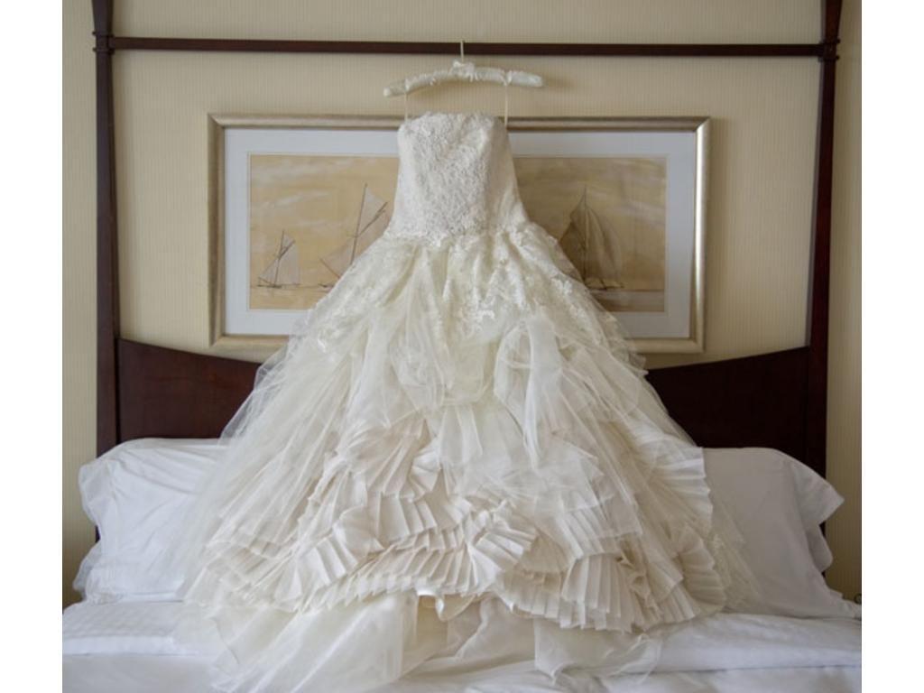 Vera Wang Eliza Wedding Gown Found It My Dream Dress Used Wedding Dresses Dream Wedding Dresses Wedding Dresses