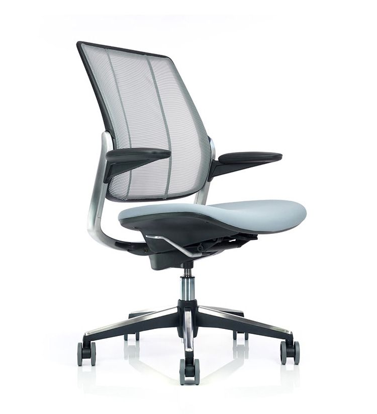 Humanscale diffrient smart chair at