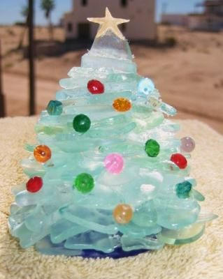 Seaglass Christmas Tree http://www.crystalglass.ca/ https://www ...