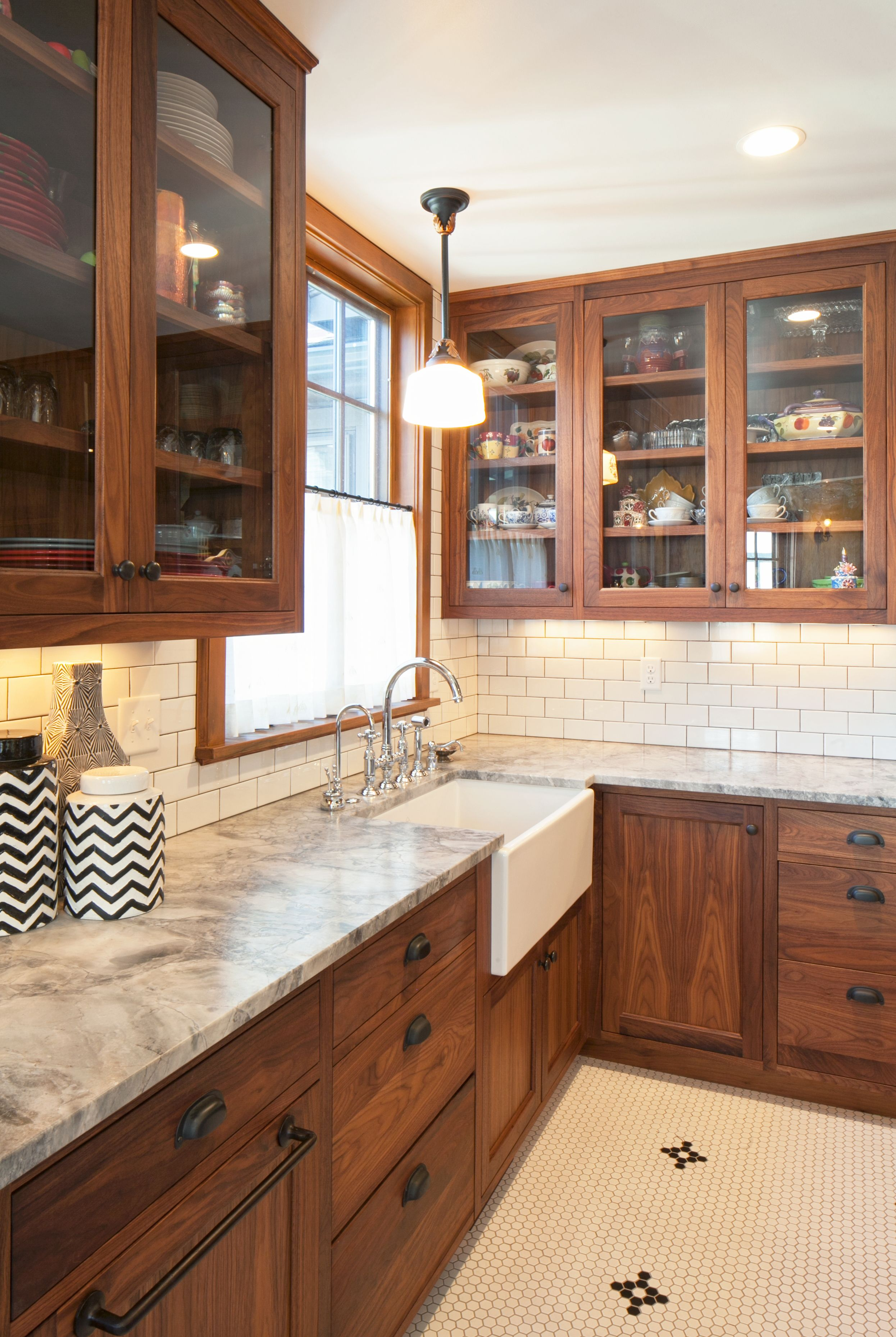 Best Another Great Example Of A White Subway Tile Kitchen 640 x 480