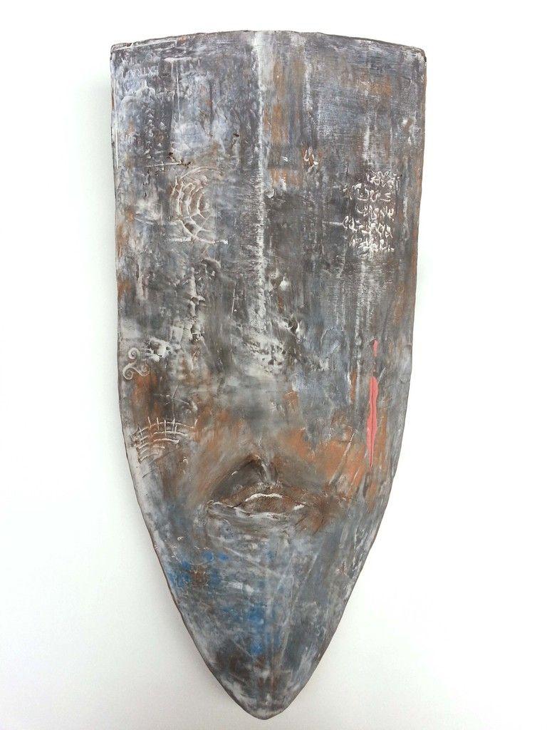 Warlord. Shield - Ceramic wall object. By Niqui Kommerkamp