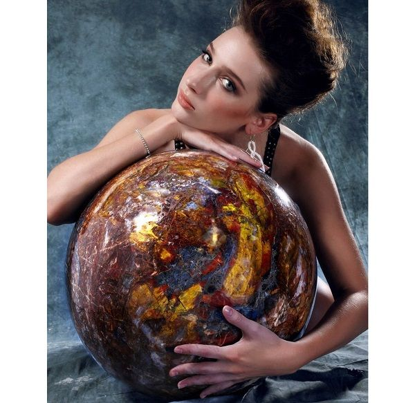 The Biggest Pietersite Sphere in the World – Novelty Gift Ideas