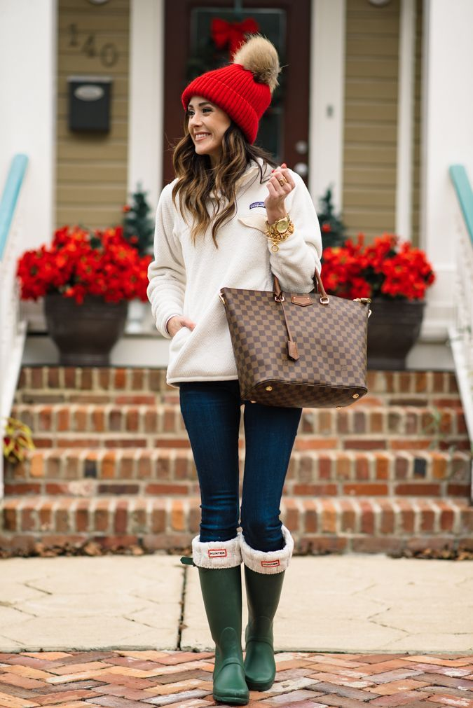 CHRISTMAS WEEK + PATAGONIA PULLOVER | Sequins & Things - CHRISTMAS WEEK + PATAGONIA PULLOVER Pullover, Christmas Outfits