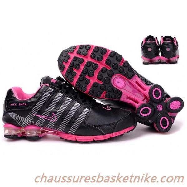 chaussures de séparation 87088 0a38a Nike Shox R4 Air Cushion PU femmes chaussures de course noir ...