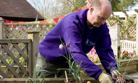 How gardening is helping people with dementia/ Cómo la jardinería ayuda a las personas con demencia.