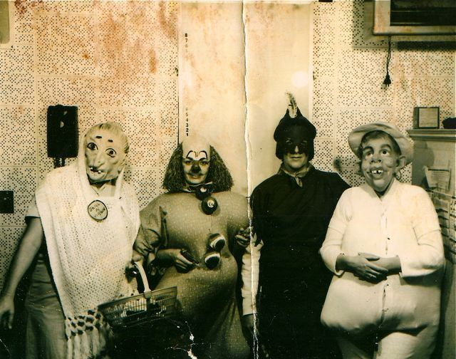 Creepy Vintage Halloween Photos Scary Kids Costumes Halloween