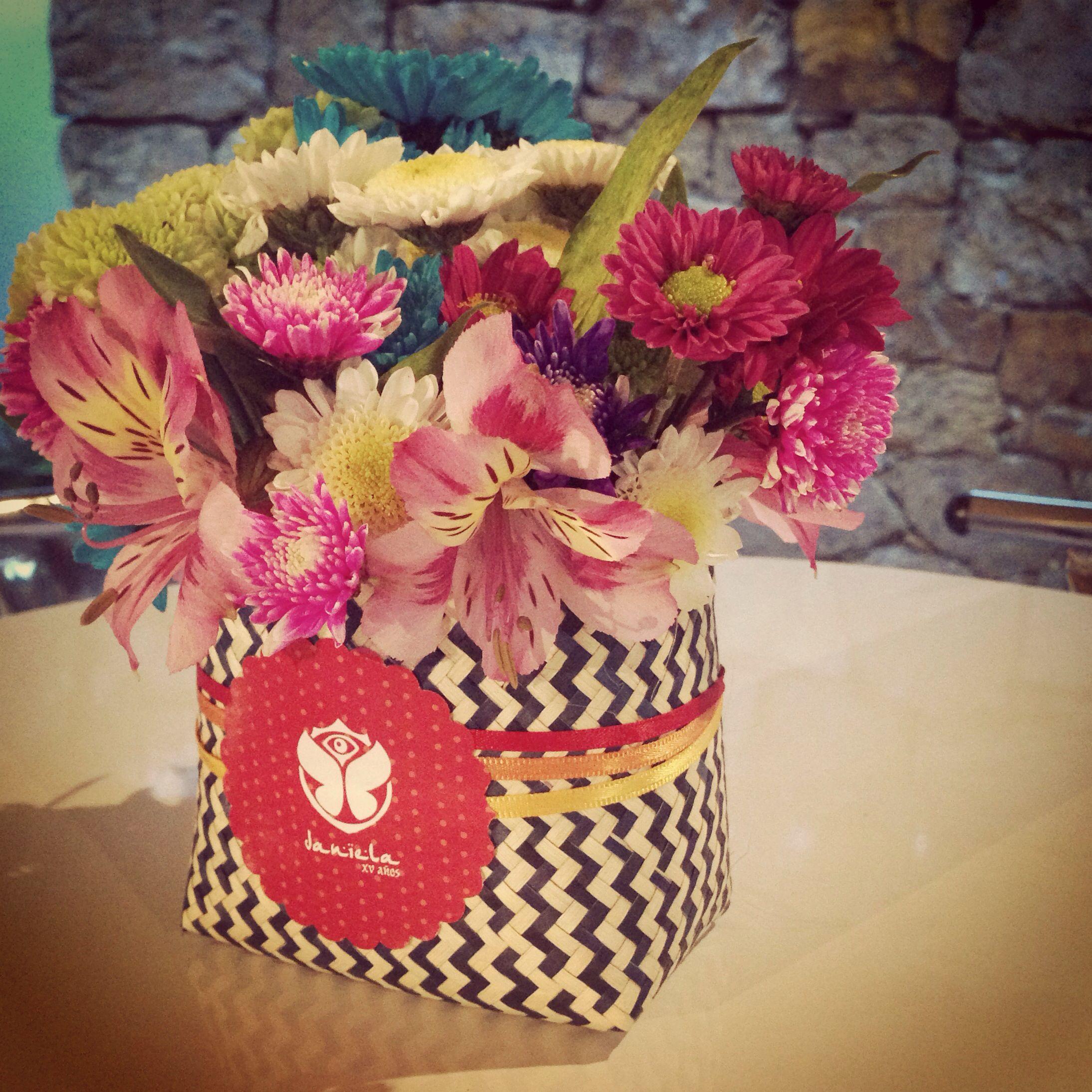 Tenates con flores de la botica de las flores