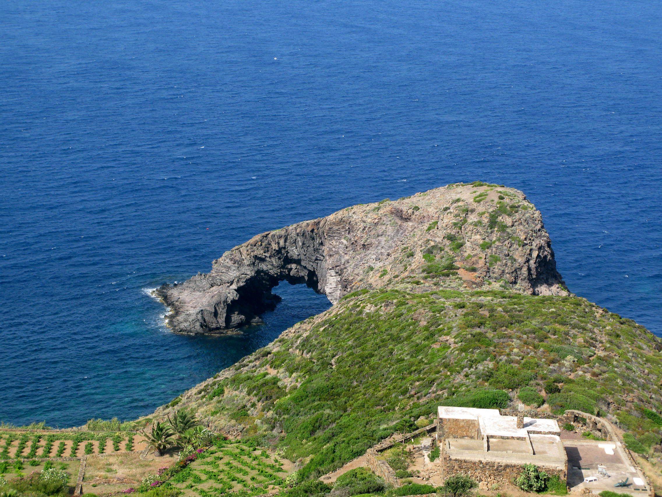 Arco dell'elefante, Pantelleria. 2007 #pantelleria #italy #sicilia