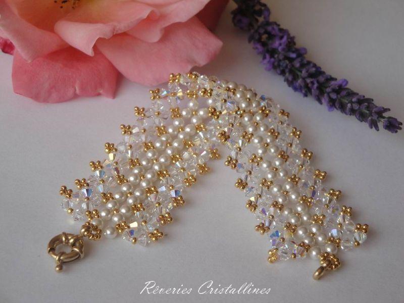 bracelet fleur en perle de rocaille schema bijoux chic. Black Bedroom Furniture Sets. Home Design Ideas