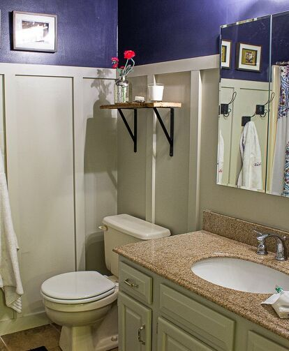 EASY DIY Board and Batten-Bathroom Makeover #boardandbattenwall