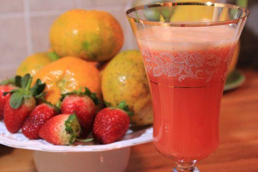 Suco de morango e tangerina