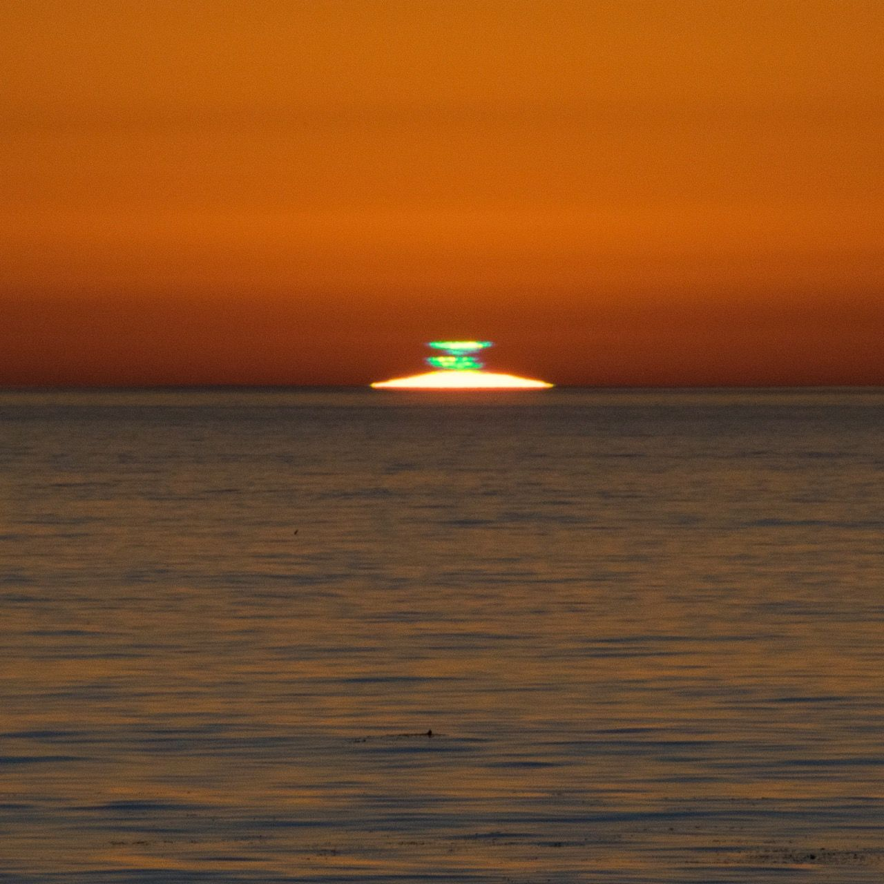 double green flash earthsky 12 19 17 green flashes are best seen over ocean horizons like this. Black Bedroom Furniture Sets. Home Design Ideas