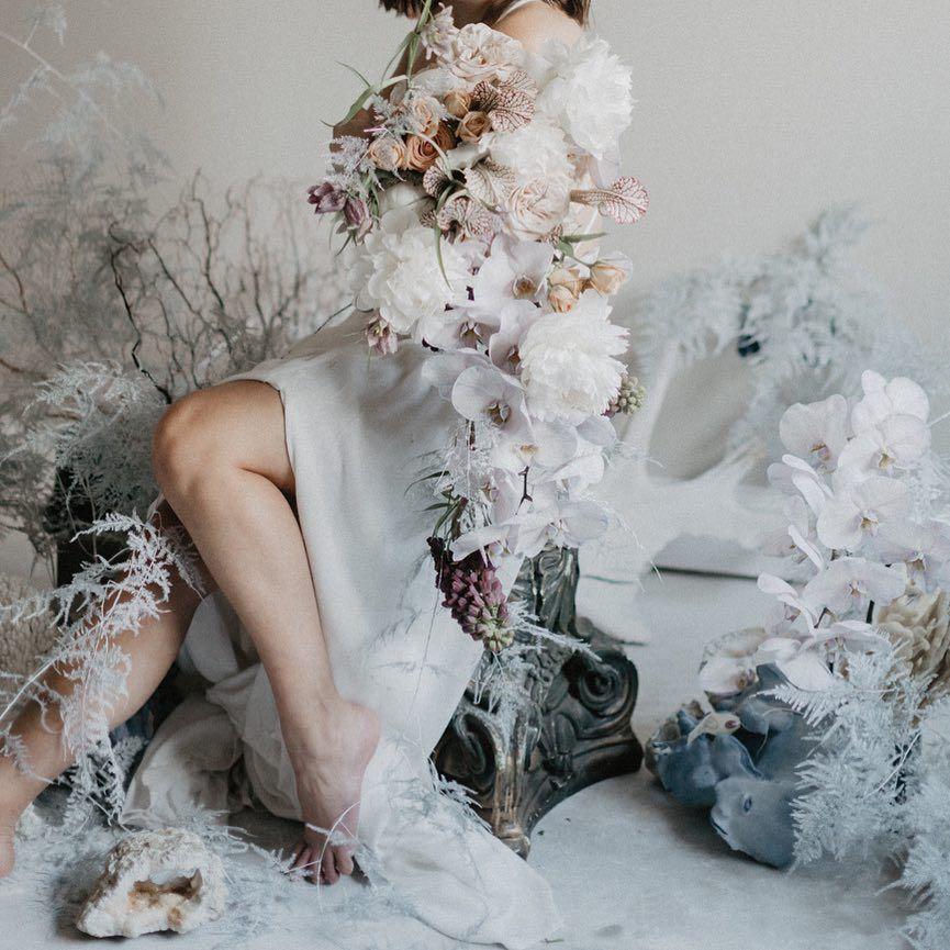 Dreamy Seaside Bouquet By Lilia Flower Photography By Anna Ko