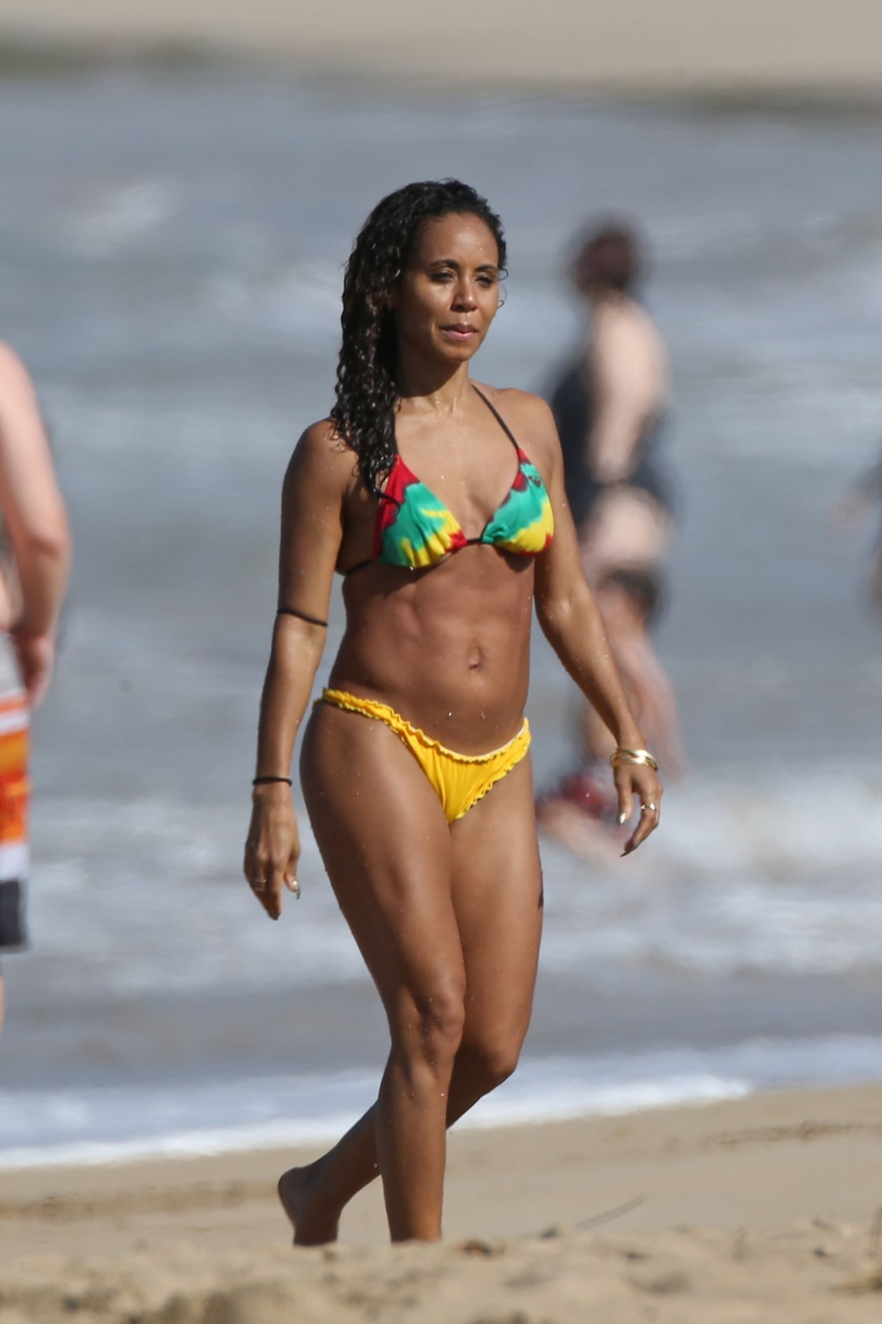 Jada Pinkett Smith Bikini Candids  Hawaii, January 2015 -9097