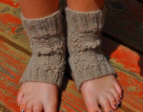 Focus Yoga socks, knitting pattern - Chunky lace Yoga ...