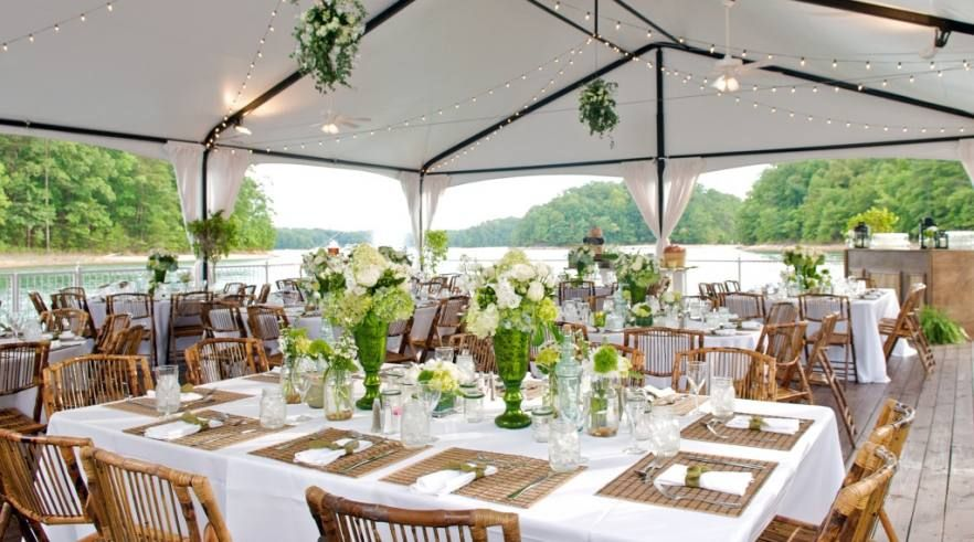 Pretty Natural Organic Style Tablescapes Love The Chairs Too Cheap Wedding Venues Wedding Venues Waterfront Wedding Venue