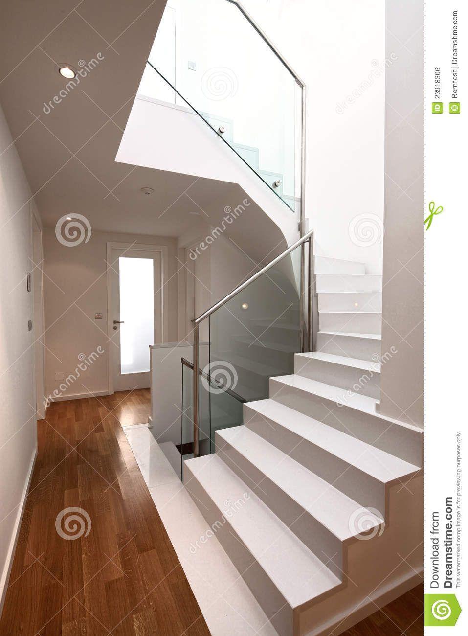 Escaleras blancas decorando la vida escaleras - Fotos de escaleras modernas ...
