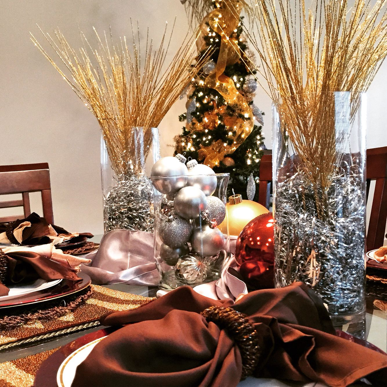 Gold and Silver Christmas #table #tree #KenyaBrown