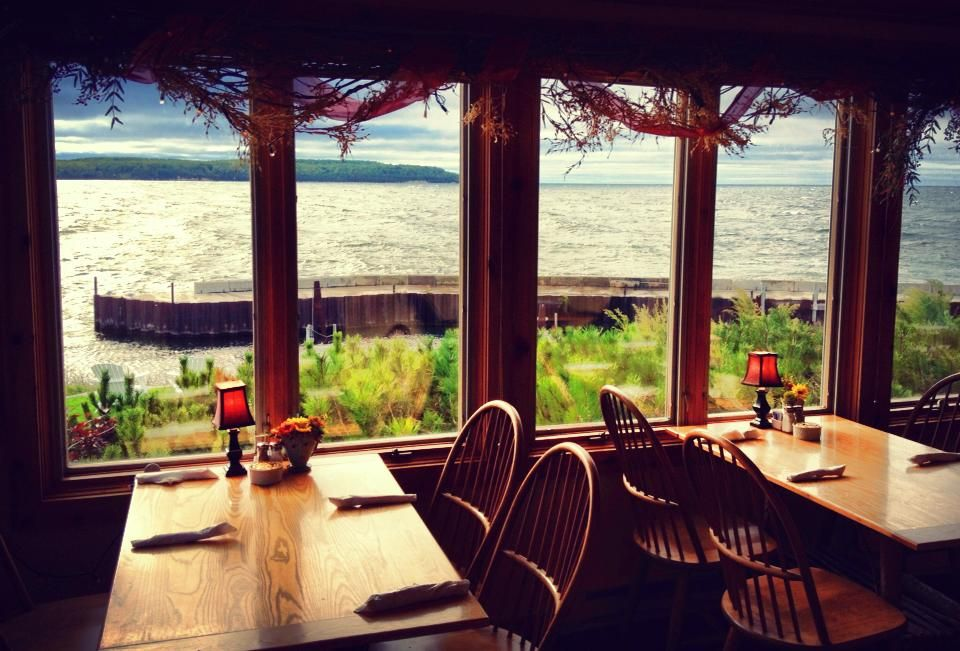 The Sline Ellison Bay 10 Bars Restaurants Where You Can Get A Clic Northeast