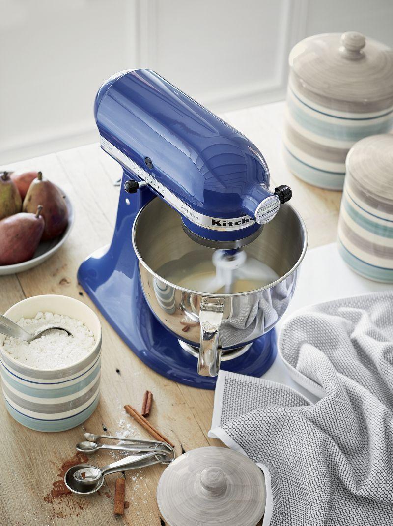 KitchenAid ® Artisan Blue Willow Stand Mixer