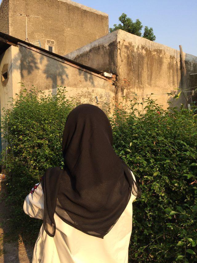 Foto blur aesthetic hijab pinterest hashtags and accounts. Pin By Bucin Doy On Hijabi Fotografi Potret Diri Fotografi Potret