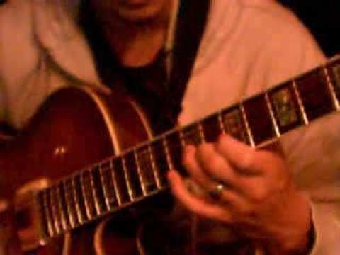 Jazz Guitar Lesson: Arpeggios, scales chords - http://music.artpimp.biz/jazz-music-videos/jazz-guitar-lesson-arpeggios-scales-chords/