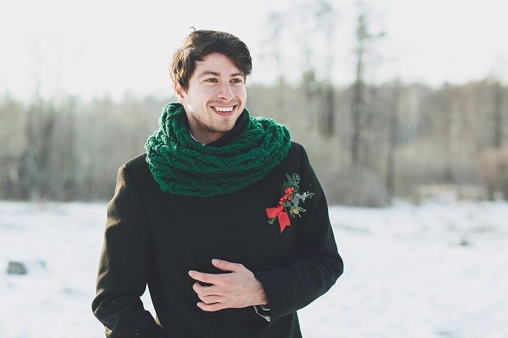 Winter groom style - Christmas winter wedding | fabmood.com #wintergroom #groom #wedding #winterwedding #christmas #christmaswedding