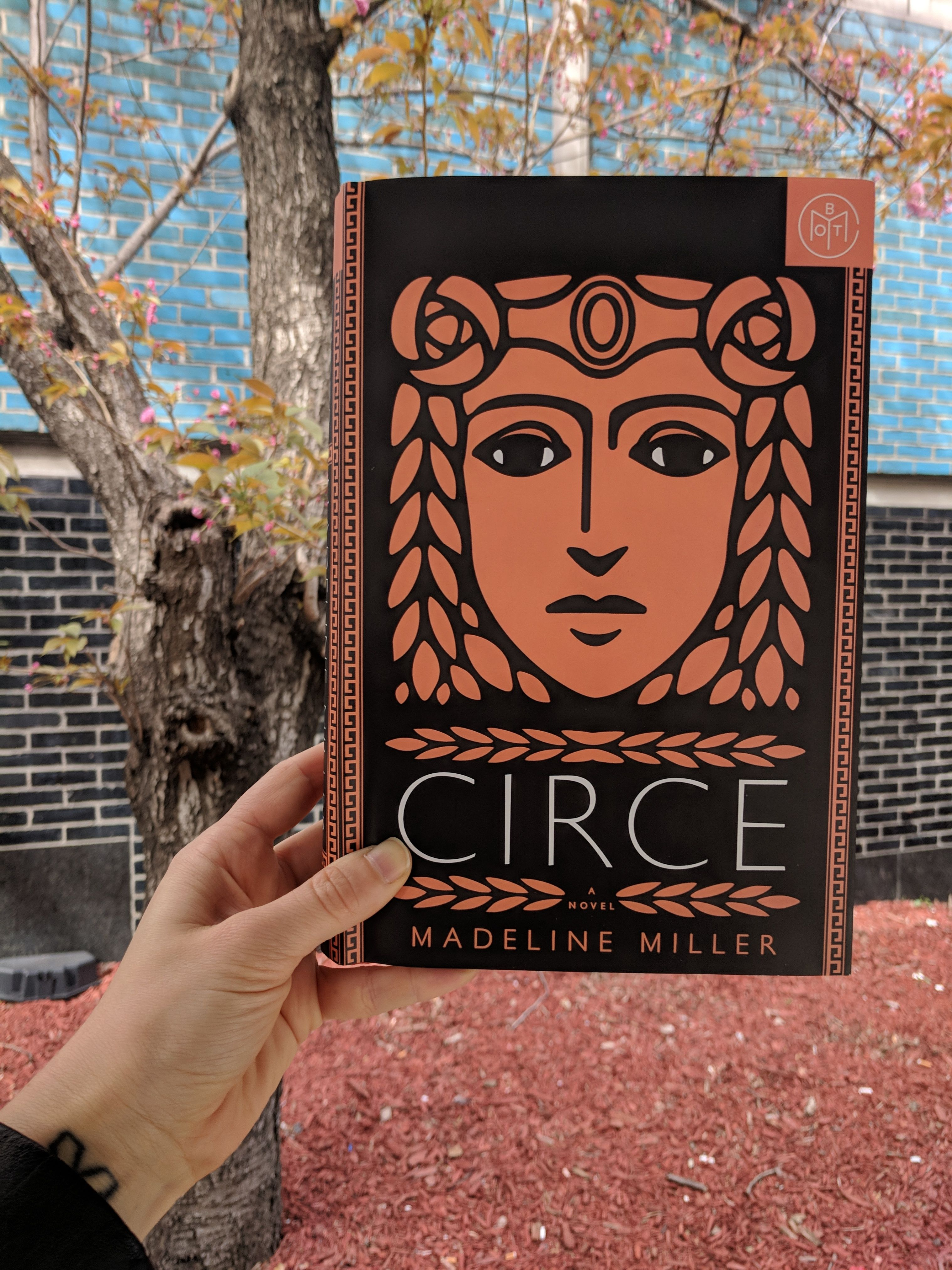 Book Review Circe By Madeline Miller Running Out Of Pages