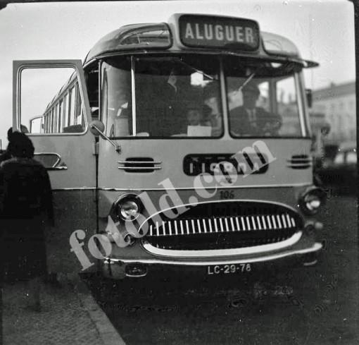 Autocarro De Aluguer In 2020 Vehicles