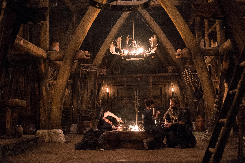 The Last Kingdom 1x01 Ragnar's hall … Pinteres…