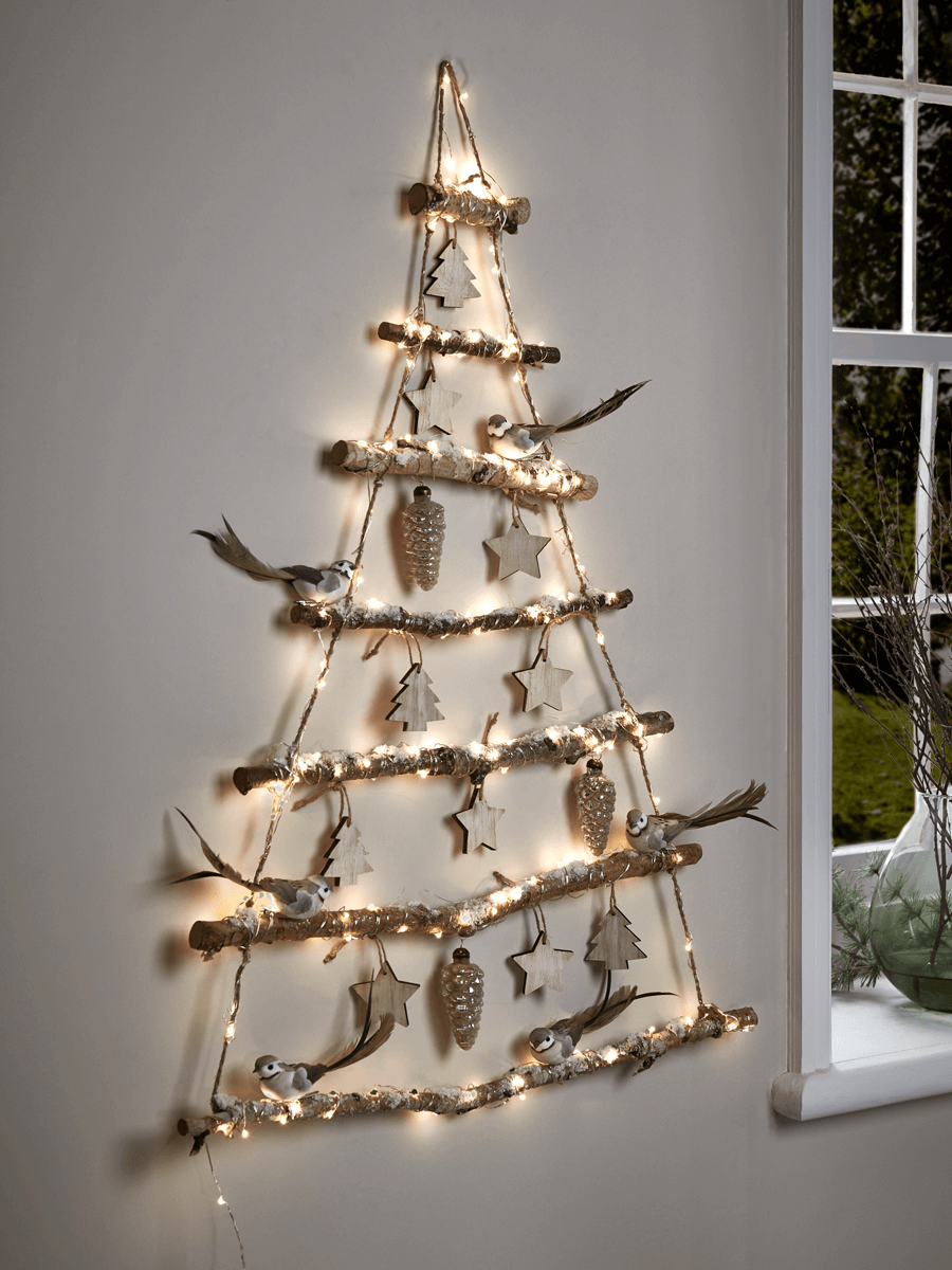12 Understated But Still Gorgeous Decorating Ideas Wall Christmas Tree Hanging Christmas Tree Creative Christmas