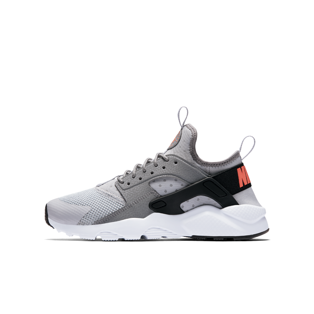 Nike Air Huarache Ultra Big Kids' Shoe Size 5.5Y (Grey)