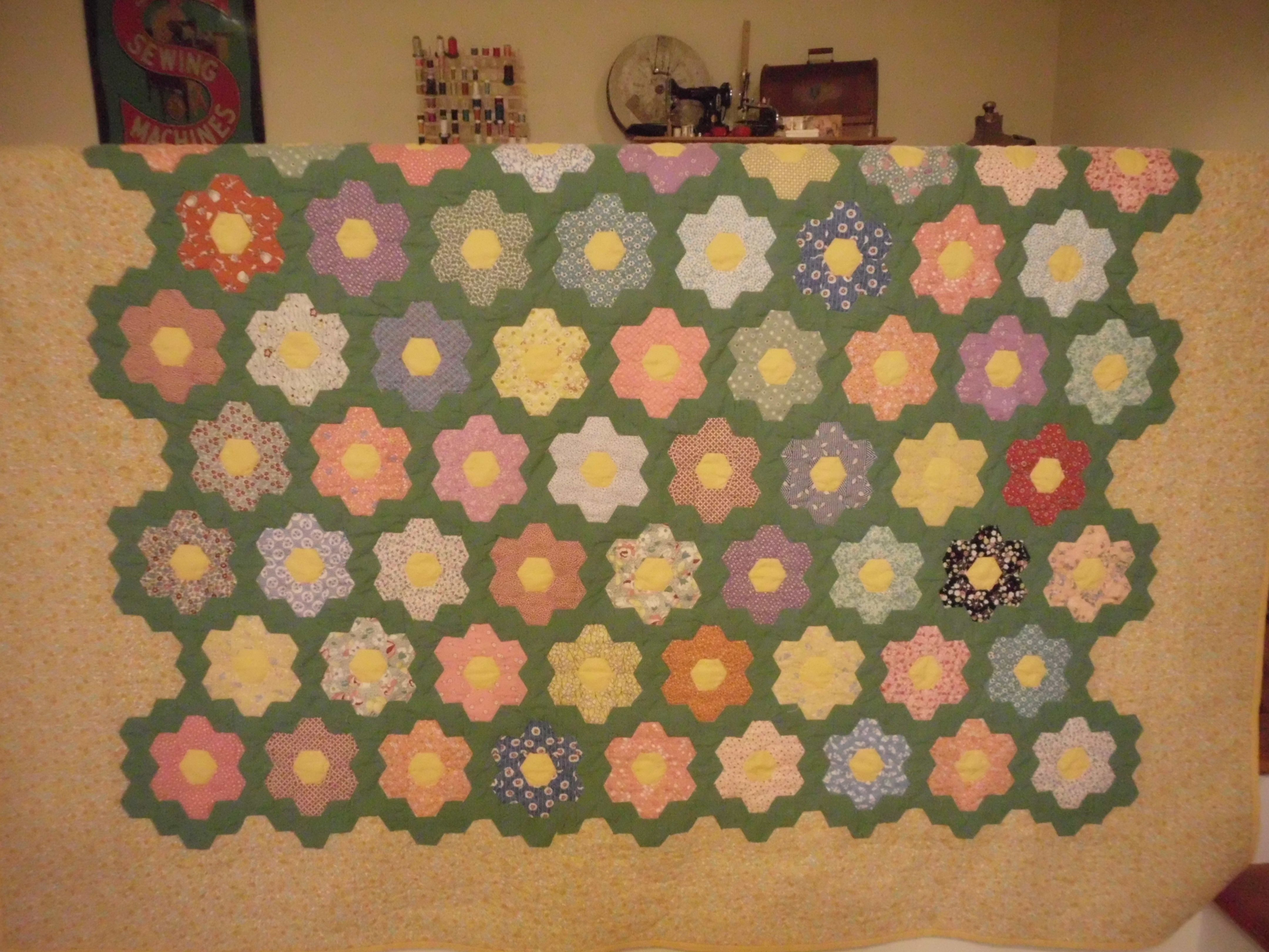 Cheater grandmothers flower quilt paper pieced and traditional
