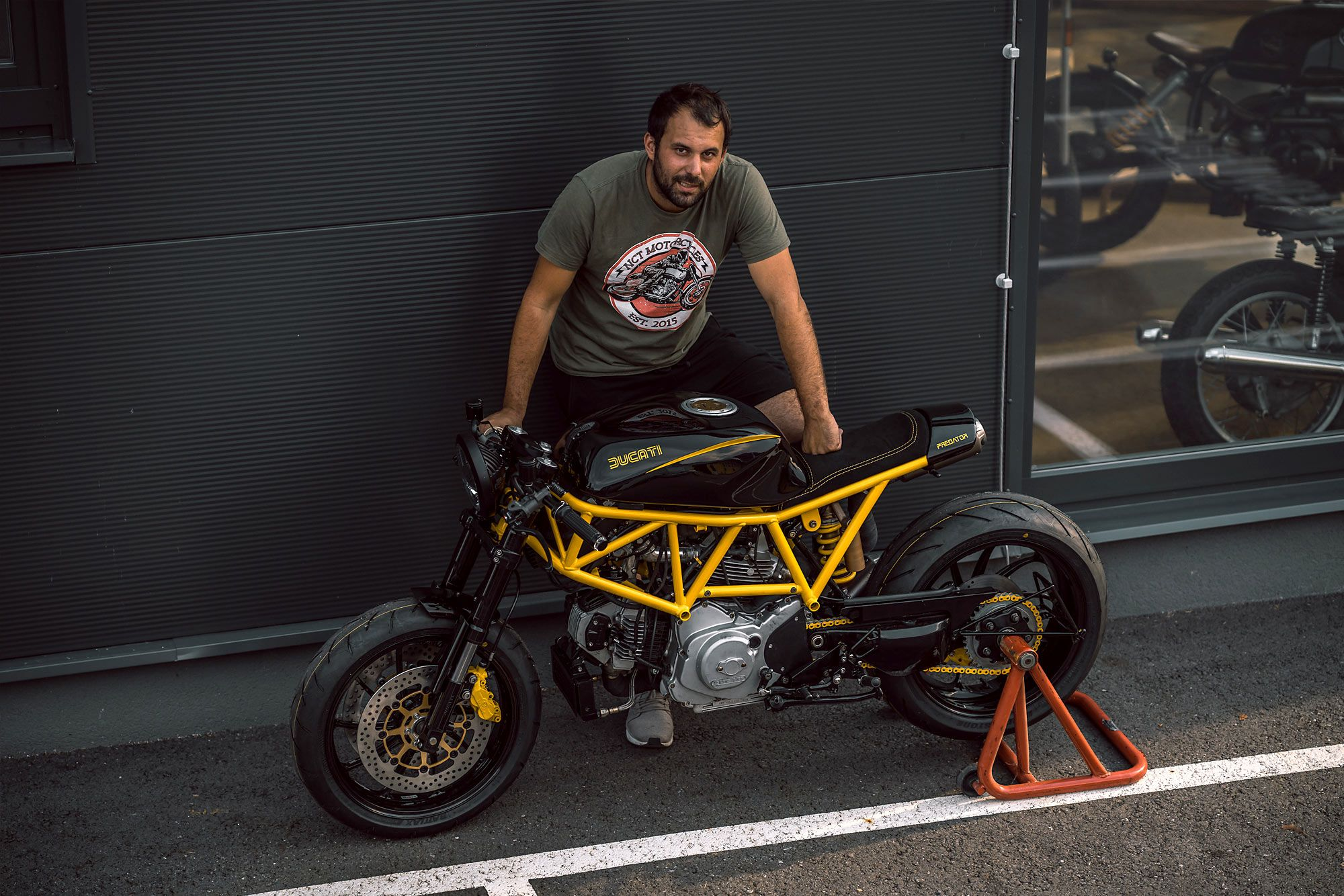 Sting Like A V Nct Motorcycle S Angry Predator Ducati 750ss