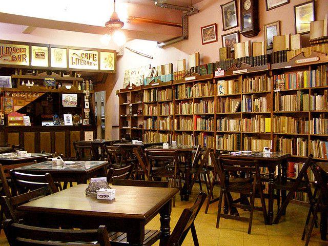 café literario   me fascina que la ciudad de buenos aires esté llena de pequeños rincones acogedores que aúnan librería, café y lugar de encuentro... ¿de dónde sacan la plata y el tiempo los porteños para comprar tantos libros y compartir tantos cafés? es maravilloso.....