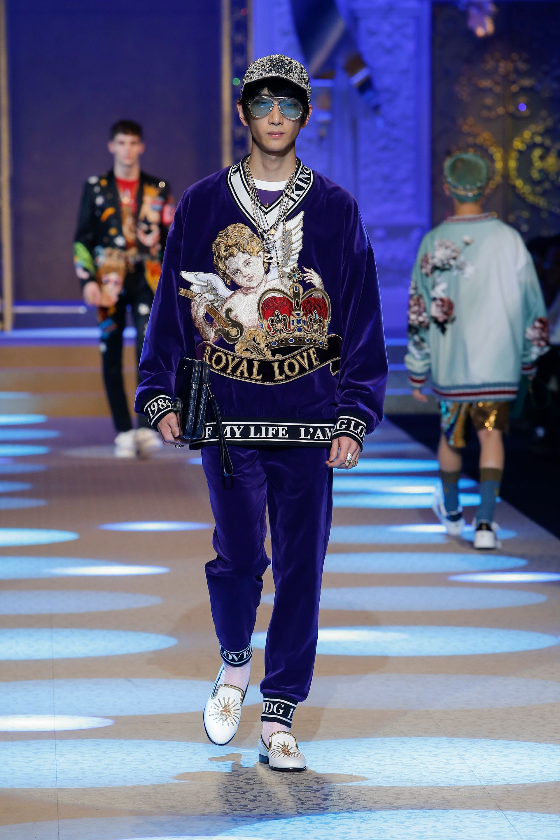 Discover Videos And Pictures Of Dolce Gabbana Fall Winter 2018 19