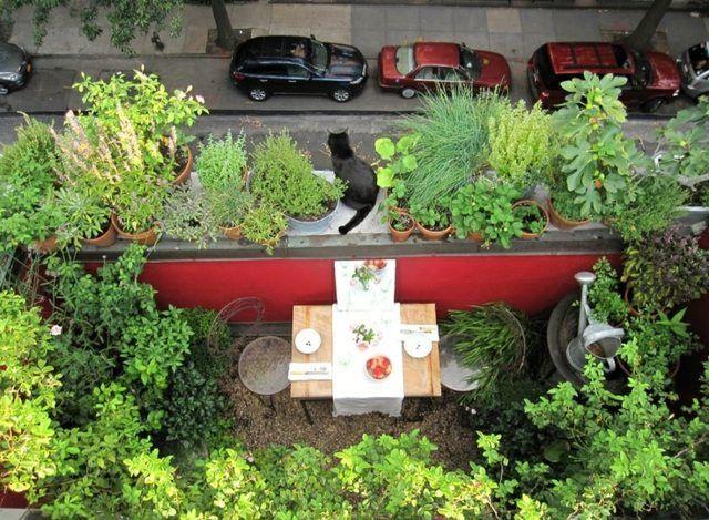 Gemütliche Sitzecke Pflanzen Stühle Tisch Komfortable Sitzecke ... 25 Balkongestaltung Ideen Gemutliche Sitzecke Arrangieren