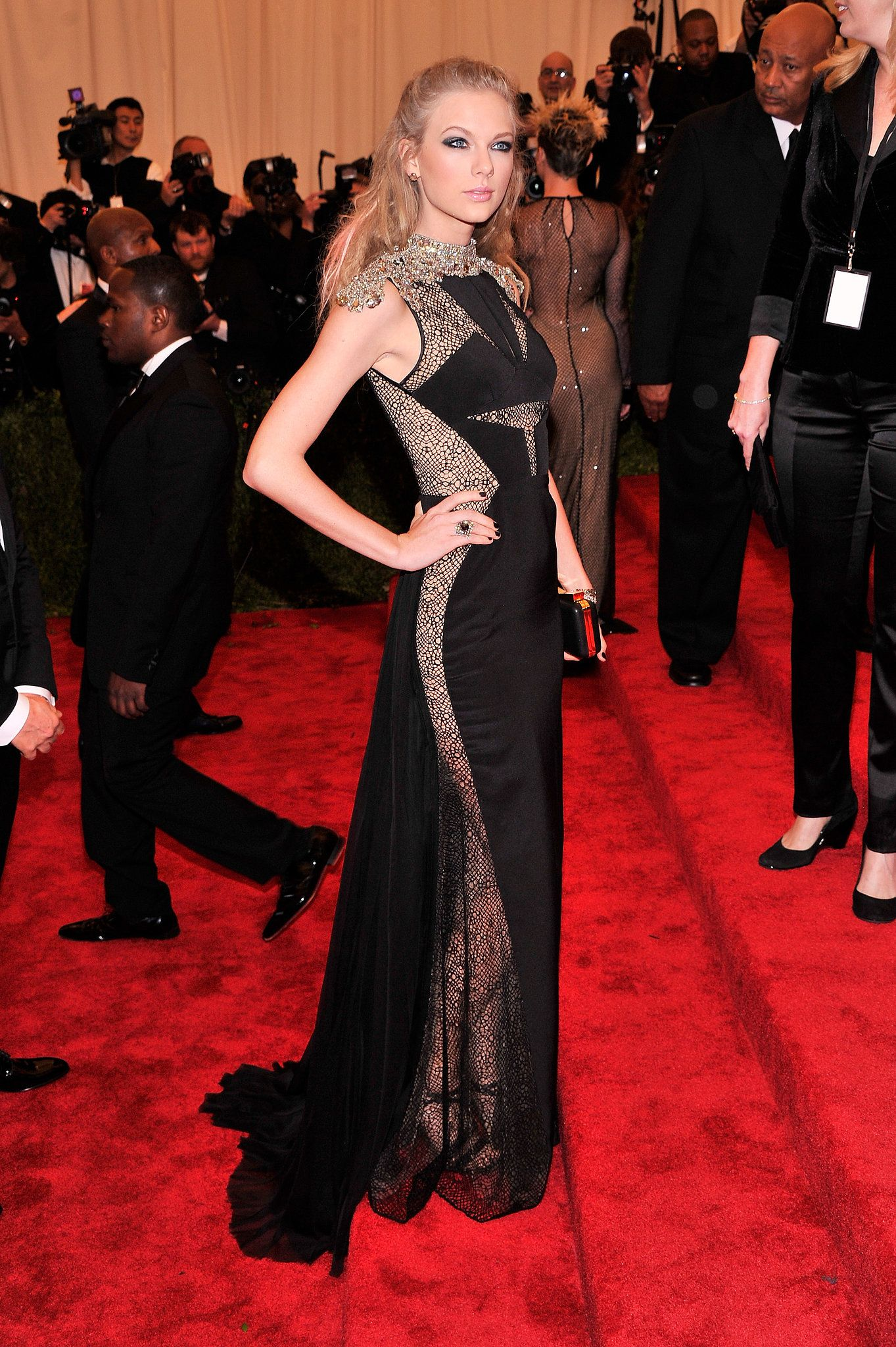 Taylor Swift At The Met Gala 2013 All The Ladies On The Met Gala Red Carpet Met Gala Red Carpet Met Gala Looks Met Gala