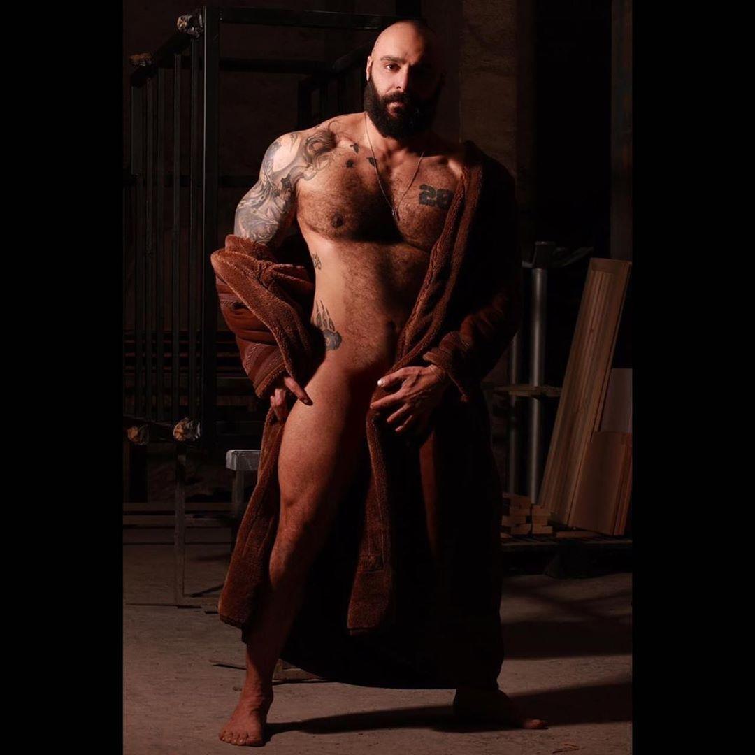 Winter mood #bears#muscledbears#tattoos#tattooedmen#hairy#hairychest#fitness#gym..., #bearsmuscledbe...