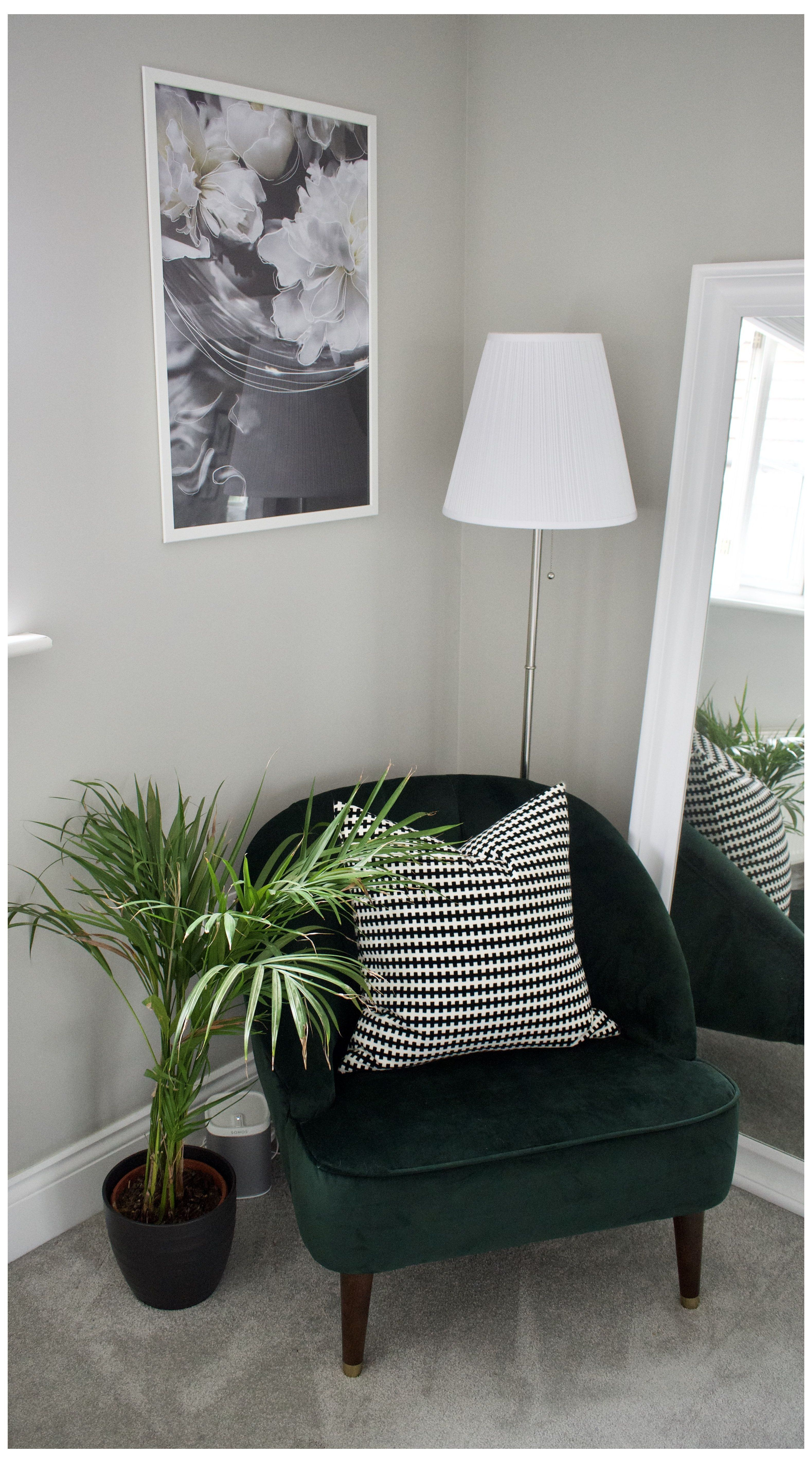 10 Of The Best Accent Chairs Rug Placement Bedroom Corner I Ve Put Together A List Of 10 Of My Favourit In 2020 Living Room Corner Corner Decor Bedroom Interior