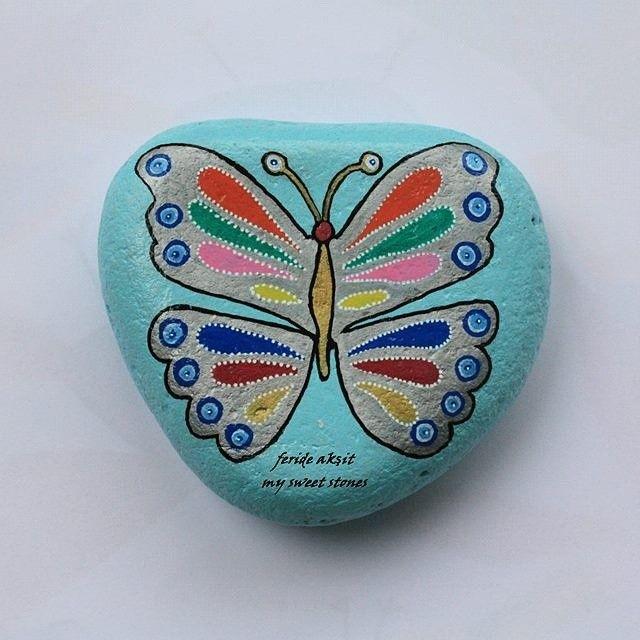 #paintingstone #rock #stone #peopleworthmeeting #butterfly #kelebek #blue