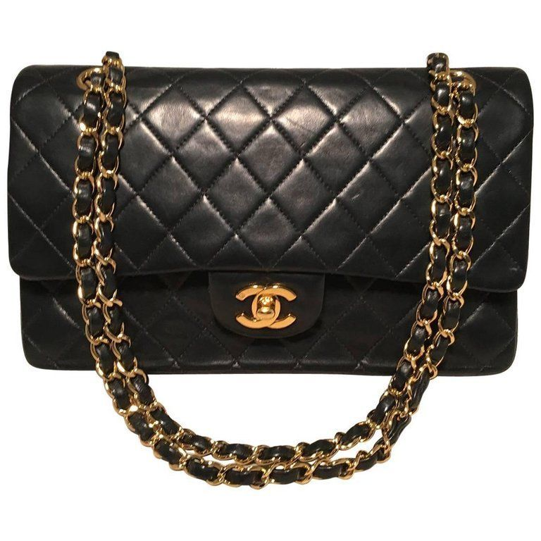 b9c0946d60f0 For Sale on 1stdibs - STUNNING Chanel black 10inch 2.55 double flap classic  in very good condition. Quilted lambskin leather exterior trimmed with gold  ...